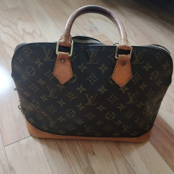 Louis Vuitton Handbags - Louis Vuitton Alma